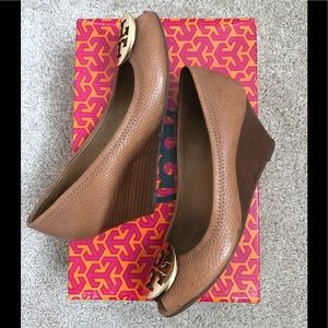 be746b8ad97c8f Shoes - Tory Burch  Sally 2  wedge